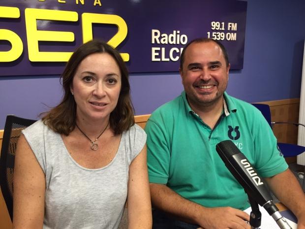 Cristina y yo en los estudios de Radio Elche